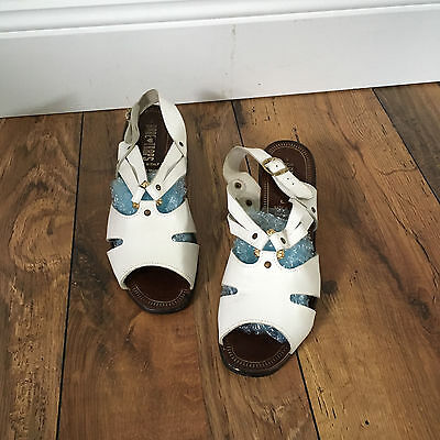 VINTAGE made in Italy, white leather strappy cutout sandal, 8