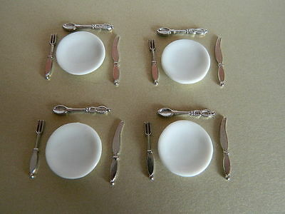 (KP3.13) DOLLS HOUSE CUTLERY and CHINA PLATE SET