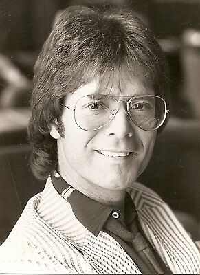 CLIFF RICHARD b/w picture 15 x 20 press association may 26 1982 very rare
