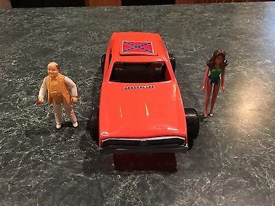 Vintage Dukes of Hazzard 1969 Charger General Lee Plastic Toy Car w/ (2) Figures