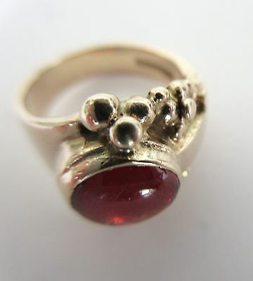 Solid and heavy 9ct Gold Garnet Cabochon Pinky Ring - 6.6gms!