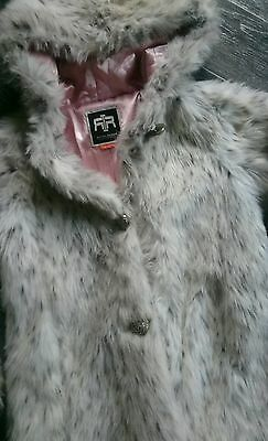 girls RIVER ISLAND winter coat age 9 years ��