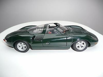 AUTOart XJ13 Jaguar 1:18 scale - Very rare and collectable with box