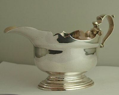 Heavy George II Style Solid Silver Sauce Boat - 335g - London 1918