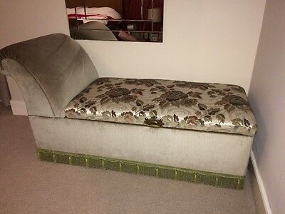 Chaise Longue with Storage