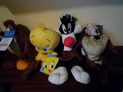 Looney tunes set of 4 soft toys (Boots)