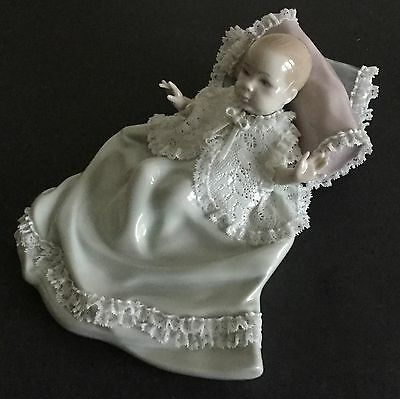 Lladro Ruffles And Lace. 5619. Francisco Catala. With box