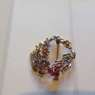 9ct gold brooch Marked 375