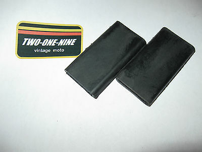 NOS CAN-AM BOMBARDIER CHAIN GUIDE RUBBER PROTECTOR pART# 746-095-000 N.O.S. MX-2