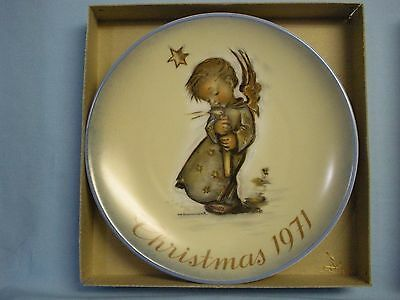 Schmid Bros. Collector Plate Series . Hummel . 1971 . 1st . Angel w/ Candle