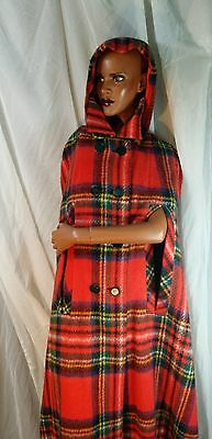 Vintage 1960s Bunratty Handcrafts Wool Cape