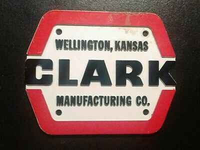 Clark Manufacturing Co. Machinery Plaque Advertising Sign Emblem Wellington, Ks