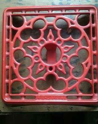 large le creuset trivet red cast iron pot pan stand rustic country kitchen aga