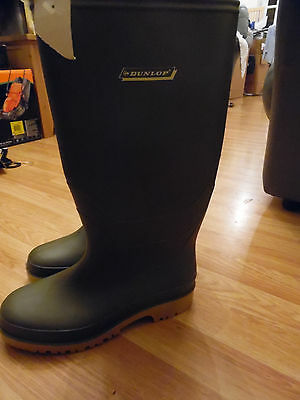Mens Green Wellingtons Dunlop Size 8 NEW WITH TAG