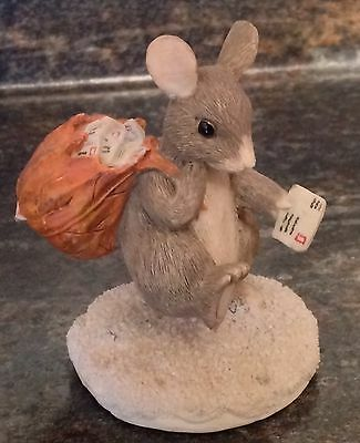 Mailman Mouse Charming Tails Silvestri Figurine Delivering The Mail