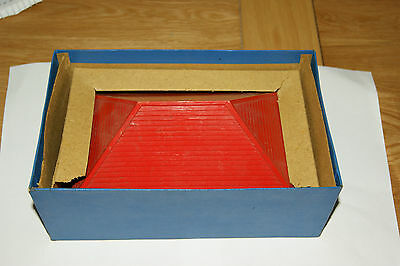 Bayko 2 x large Red Roofs in original box.