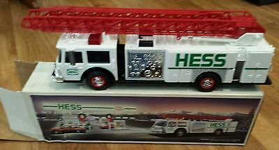 1989 Hess Toy Fire Truck Nib Holiday Tradition Real Lights, Siren Ladder Bank