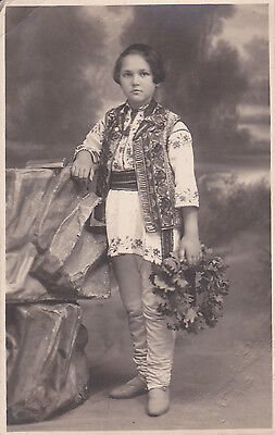 ROMANIAN GIRL WITH SCHOOL PRIZE IN NATIONAL PORT Folk Costumes IASI PHOTO