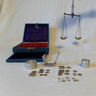 Vintage Portable Hanging Jewelry Balance Scale & Weights Apothecary Minerals Box
