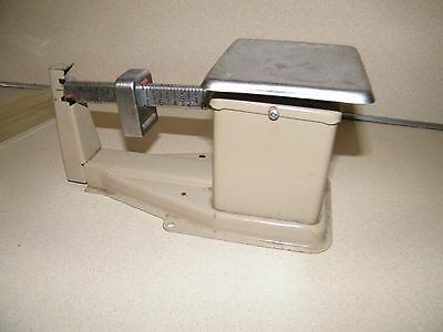 VINTAGE USPS  SLIDING WEIGHT SCALE ca 1982