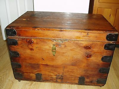 Old Large Travel/Blanket Chest, Coffee Table, Toy Box