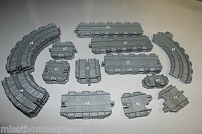 Thomas the Tank Engine Take n play Straights & Curves Track Pack 26 pieces