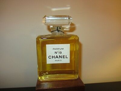 Flacon factice Chanel