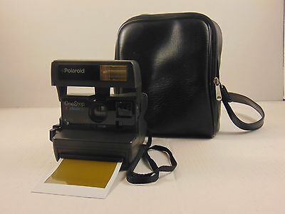 Vintage Polaroid One Step Close Up Instant 600 Film Camera with carrying bag