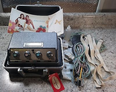 Vintage Relax-A-Cizor Verve Model 20  w/ Accessories  *Untested*