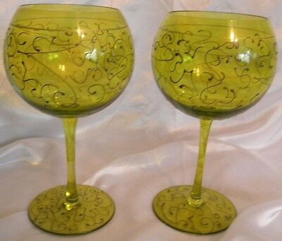 """set 2 Green hand painted Gold swirls Balloon Wine Goblets Glasses 9"""" tall 17 oz"""