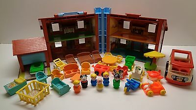 VINTAGE Fisher Price Little People #952 BROWN HOUSE 100% complete plus Extras #2