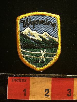 Wyoming Jacket Patch ~ State Vacation Souvenir.  Snow On Mountains 676