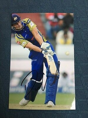 Dane Vilas South Africa test cricketer hand signed 6x4 inch photograph