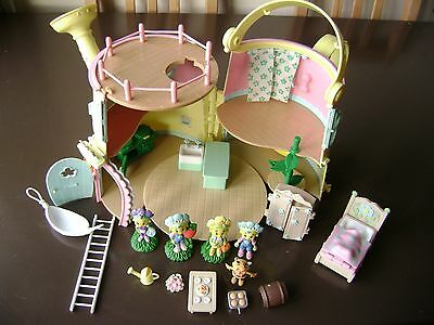 Fifi and the flowertots ' forget me not ' watering can house
