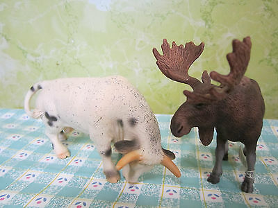 NWT Schleich Moose Cow 2 Lot Animal Figurines Plastic Resin