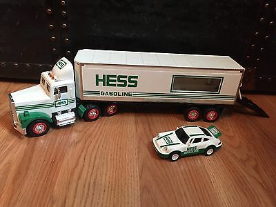 Hess Toys - 1992 Hess Toy Truck 18 Wheeler And Racer
