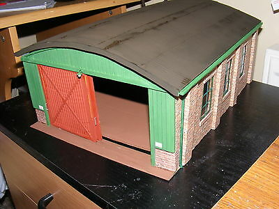 Garage and Buildings 1/32nd Scale.