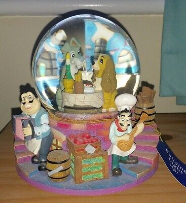 """Beautiful Disney """" Lady And The Tramp """" Musical Lights Up Snow Globe Figurine"""