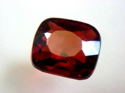 SPINELL  -  ROT  -  CUSHION CUT  -  4,8x4,4 mm  -  0,57 ct.