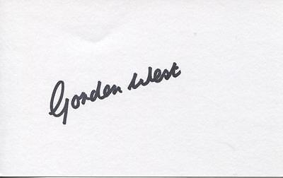 A 13cm x 7.5cm Plain White Card Signed by Gordon West. Everton Blackpool England