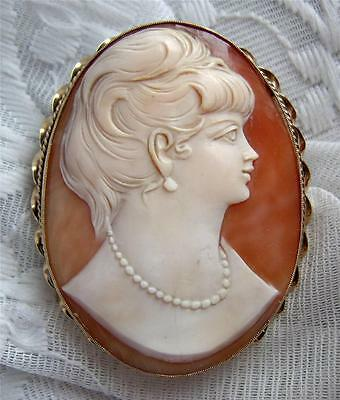 Huge Vintage 1950s 9CT SOLID GOLD Shell CAMEO Brooch Portraying a Lady in Pearls