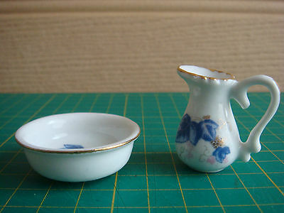 Dolls House Miniatures - Washing Jug, Bowl & Table - Set 1:12 Scale - VGC
