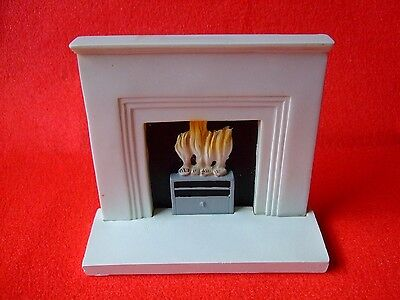 Doll House 1/12Th Scale Modern White Resin Fire Place.