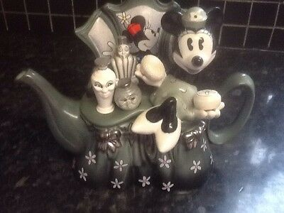 Cardew minnie mouse teapot