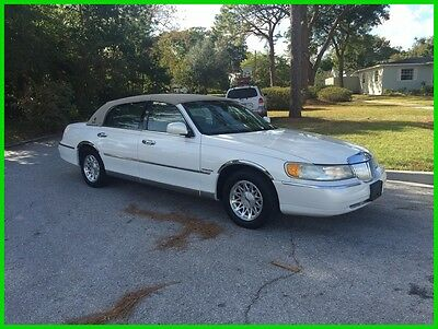 1999 Lincoln Town Car Signature 1999 Lincoln Town Car Signature Series 4.6L V8 16V  RWD NO ACCIDENTS NO RESERVE
