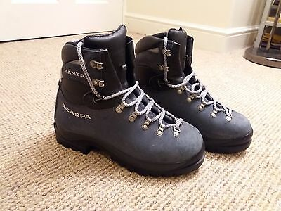 Ladies Scarpa Manta Mountaineering boots size 7 nearly new