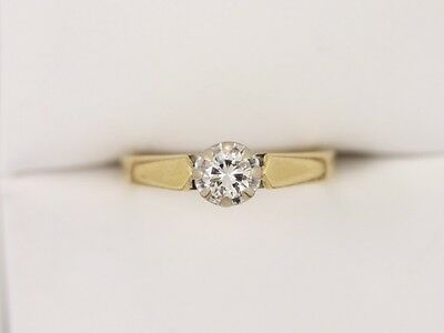 Diamond Solitaire Ring 18ct Gold Beautiful Ladies Size K 1/4 Y23