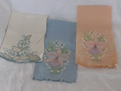 Vintage Lot Linen Tea Guest Hand Towel Embroidered Flower Bow Bucilla Madiera