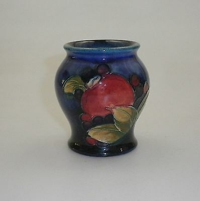 EARLY MOORCROFT  POMEGRANATE VASE CIRCA 1920's