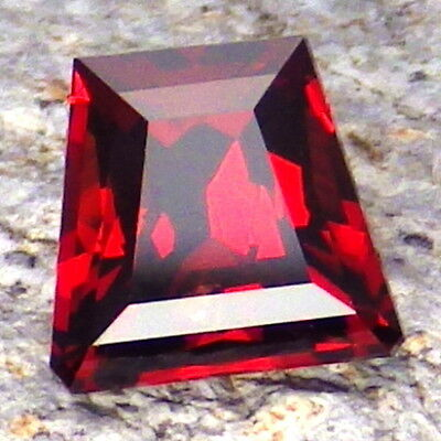 MALAYA PYRALSPITE GARNET-2.04Ct CLARITY SI2-ORANGE RED COLOR-COLLECTOR GRADE!